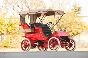 1903 Cadillac Model A Rear-Entry Tonneau Red