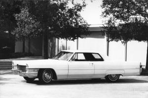 Cadillac DeVille Coupe 1965 года
