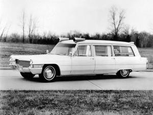 Cadillac Parkway Ambulance by Sayers & Scovill 1965 года