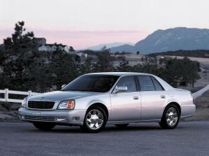 Cadillac DeVille DTS 2000 года