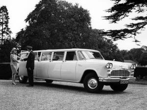 Checker Aerobus 8-Door Station Wagon