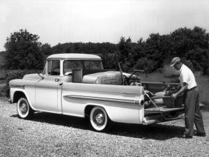 1959 Chevrolet Apache 32 Deluxe Fleetside Pickup Truck