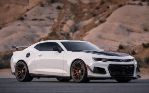Chevrolet Camaro ZL1 1LE on HRE Wheels (RC104) 2018 года