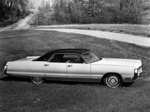 Chrysler New Yorker Brougham Hardtop Sedan 1972 года