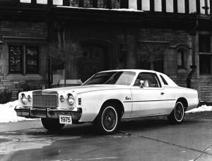 Chrysler Cordoba 1975 года