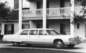 Chrysler New Yorker Limousine by Armbruster-Stageway 1975 года