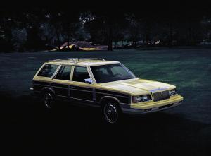 Chrysler LeBaron Town & Country Wagon 1983 года