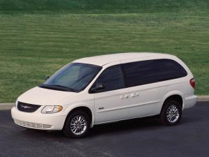 Chrysler Town & Country 2000 года