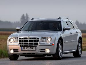 Chrysler 300C Touring 2004 года