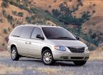 Chrysler Town & Country 2005 года