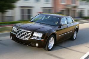 Chrysler 300C 2010 года