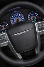 Chrysler 200 Convertible 2011 года
