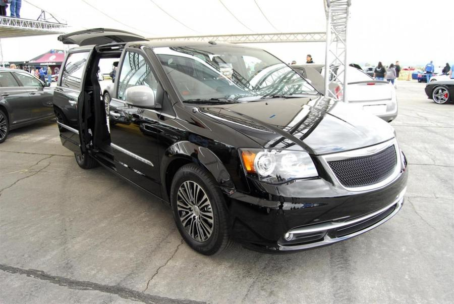 Chrysler Town & Country S Concept '2011