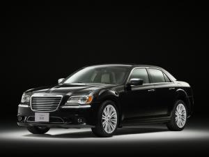 Chrysler 300 2012 года