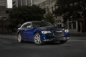 Chrysler 300C 2015 года