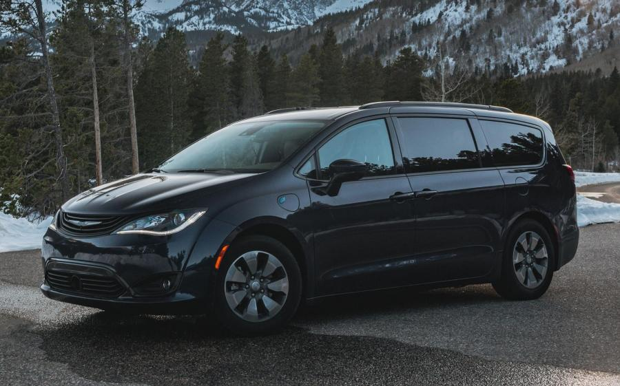 Chrysler Pacifica Hybrid (RU) '2016