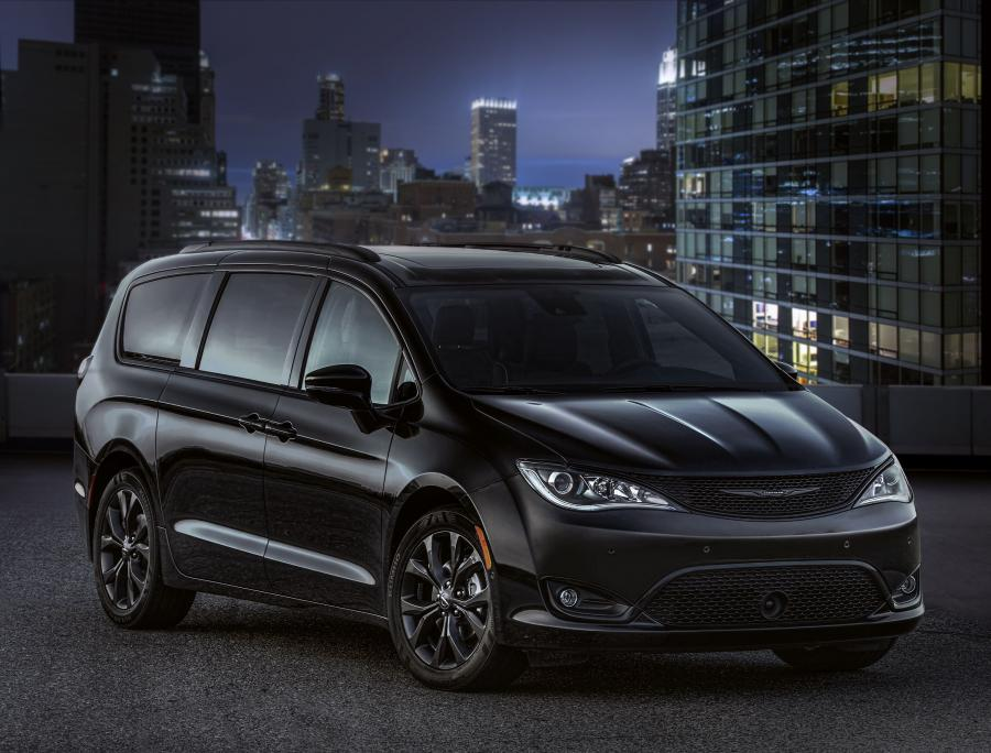 Chrysler Pacifica Limited S Appearance Package