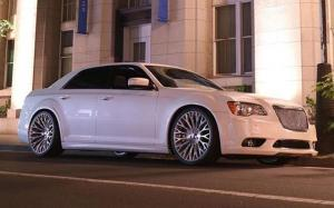 Chrysler 300C SRT8 on Forgiato Wheels (NB6-ECL) '2019