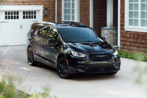 2020 Chrysler Pacifica Limited S Appearance Package AWD