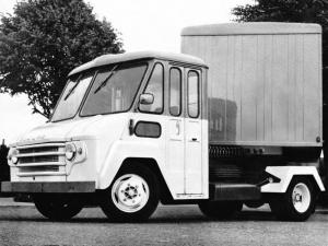 Commer KC 40 Walk-Thru Tractor
