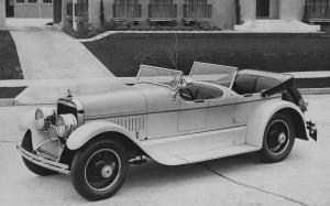 Cunningham Model V-6 Dual Windshield Phaeton (Style 202 A) '1926