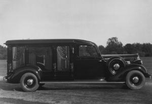 Cunningham-Packard Column Hearse 1935 года