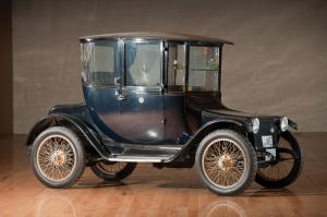 1918 Detroit Electric Model 75B Brougham