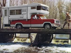 1972 Dodge D200 Sweptline Pickup Adventurer SE Camper 9000 Amerigo Cab-Over