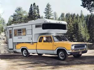 1973 Dodge D200 Club Cab Sweptline Pickup Adventurer SE Camper Amerigo Cab-Over