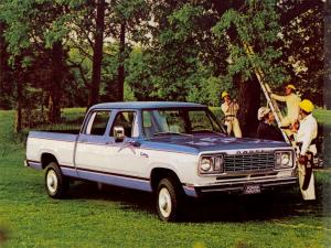 Dodge D200 Power Wagon Custom Crew Cab 1977 года