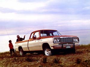 Dodge W100 Power Wagon Club Cab Sweptline Adventurer Pkg 1977 года