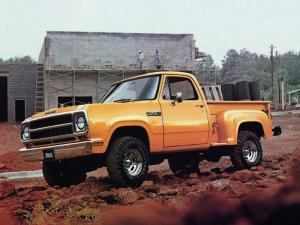 Dodge W150 Utiline Power Wagon 1980 года