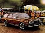Dodge LeBaron Salon Woodgrain Wagon 1981 года
