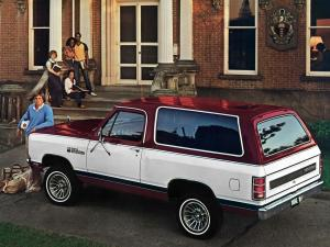 Dodge Ramcharger SE Pkg. 1982 года