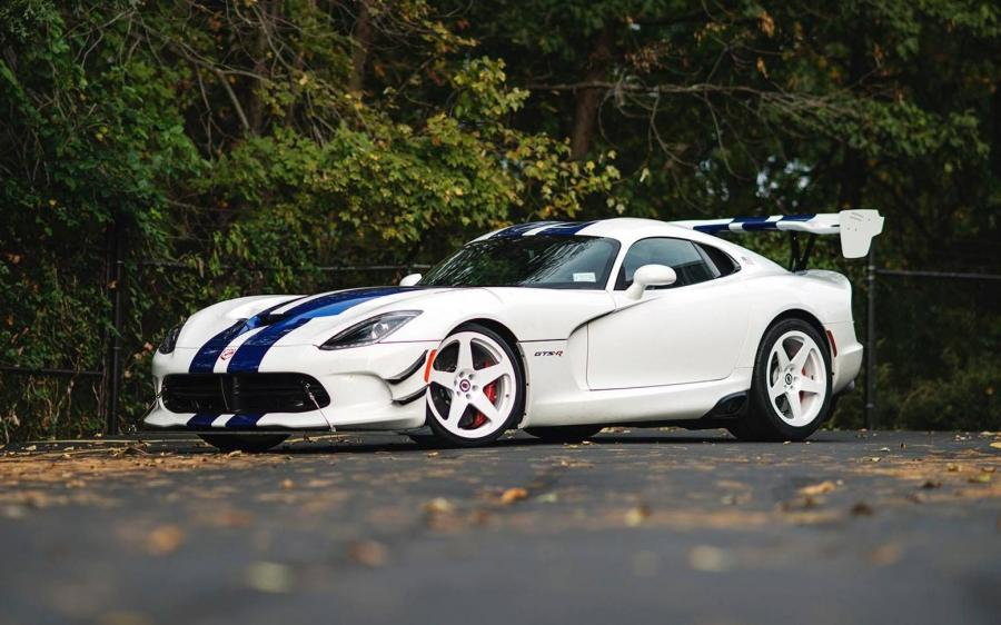Dodge Viper GTS-R on HRE Classic Wheels (305M)