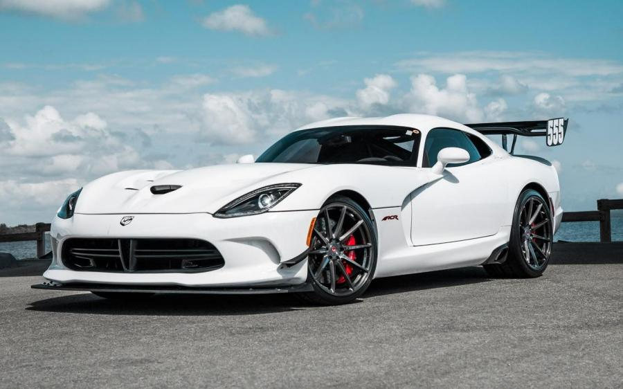 Dodge Viper ACR on Vossen Wheels (VPS-310)