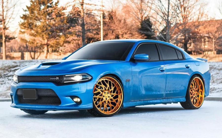 Dodge Charger R/T Scat Pack on Forgiato Wheels (Blocco)
