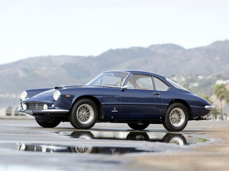 Ferrari 400 Superamerica Passo Corto Coupe Aerodinamico (Open Headlights)