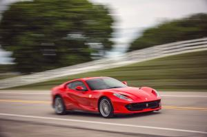 Ferrari 812 Superfast 2017 года