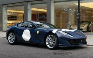 Ferrari 812 Superfast Tailor Made Inspired by Stirling Moss