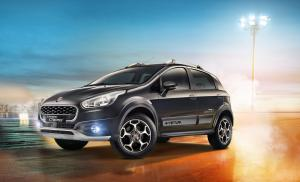 2016 Fiat Avventura Urban Cross Powered by Abarth