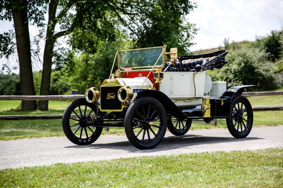 1912 Ford Model T Torpedo Runabout