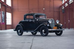 Ford V8 DeLuxe 3-Window Coupe 1932 года