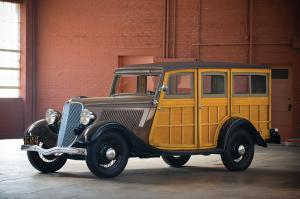 1933 Ford V8 DeLuxe Station Wagon