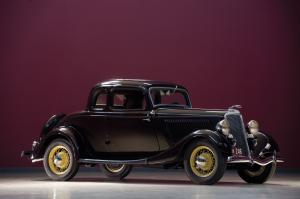 1934 Ford V8 DeLuxe 5-Window Coupe