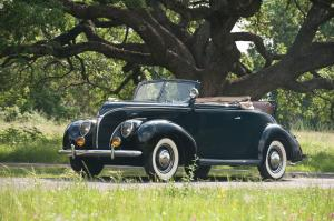 1938 Ford DeLuxe Convertible Coupe