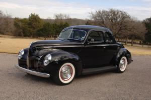 Ford DeLuxe 5-Window Coupe Custom 1939 года