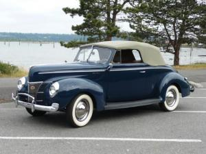 1940 Ford DeLuxe Convertible Coupe