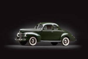 Ford V8 Deluxe 5-Window Coupe 1940 года