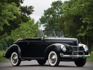 1940 Ford V8 Deluxe Convertible Coupe